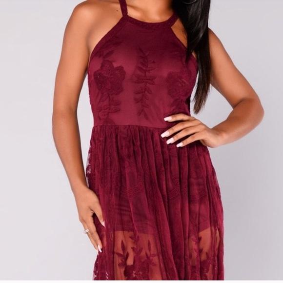 Fashion Nova Beauty Queen Maxi Dress: Maroon Lace Maxi Dress